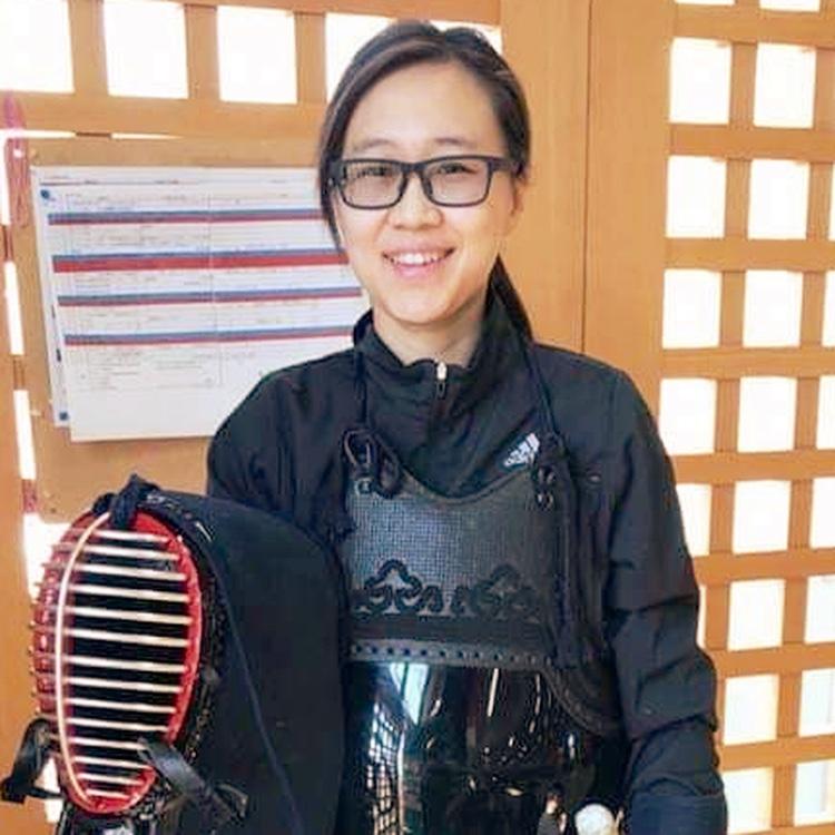 Ashley Li (李 硯 芳)